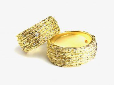 trauringe-magic-750-gelbgold-damenring-mit-24-brillanten-0-32-ct-tw-si-chf-3500-herrenring-chf-2700DCFF126B-48F4-3B0F-52E2-D69C60F4B5FD.jpeg