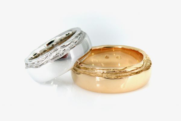 trauringe-together-damenring-750-weissgold-mit-14-brillanten-0-11ct-tw-vs-chf-3600-herrenring-in-750-rosegold-chf-2900B99052A0-955E-86A2-95F2-B7D9E9FA4424.jpeg