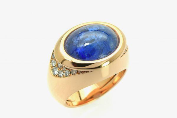 2453  750 Rotgold Ring mit einem Tansanit und 36 Brillanten