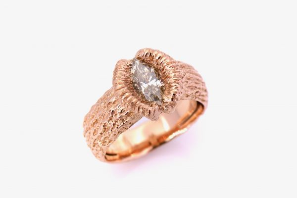 2240  Damenring 750 Rotgold Marquise Diamant light brown 0.76 ct